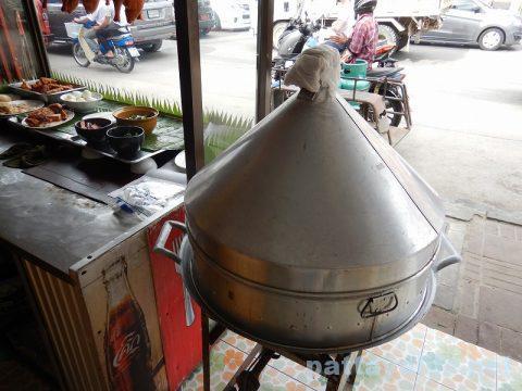 フードランド前カオマンガイ屋のスープ蒸し器