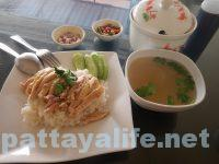 サードロードのカオマンガイとクイティアオガイ食堂 (4)