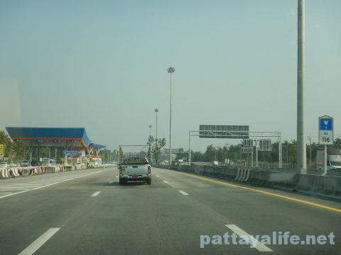 パタヤからドンムアン空港タクシー (5)
