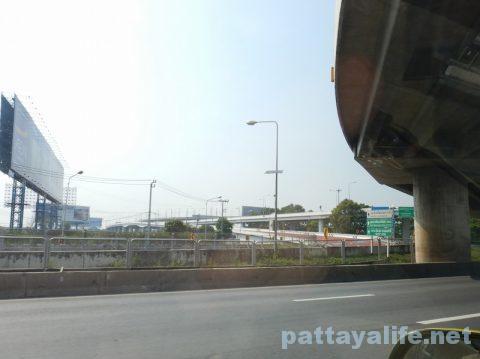 パタヤからドンムアン空港タクシー (7)
