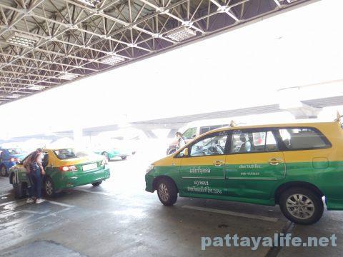 パタヤからドンムアン空港タクシー (12)