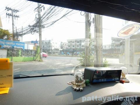 パタヤからドンムアン空港タクシー (1)