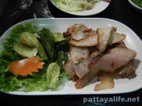 カオトムプラジャンバン料理コームーヤーン