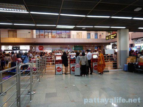 ドンムアン空港エアアジアチェックイン (6)
