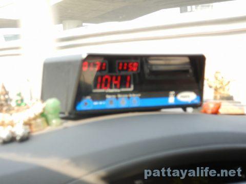 パタヤからドンムアン空港タクシー (8)