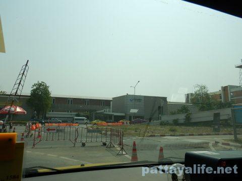 パタヤからドンムアン空港タクシー (10)