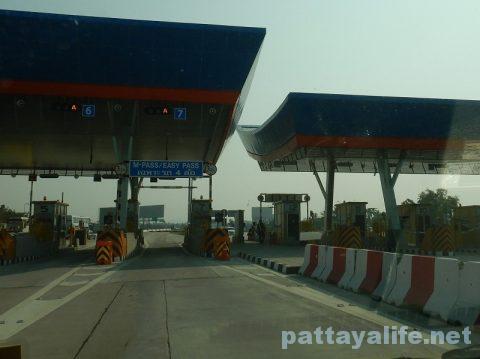 パタヤからドンムアン空港タクシー (3)