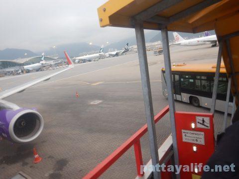 香港からクラーク空港乗り継ぎ (5)