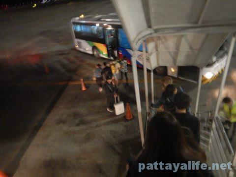 香港からクラーク空港乗り継ぎ (9)