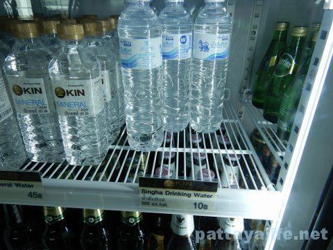 ドンムアン空港制限エリア内10バーツ水