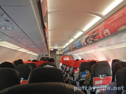ウタパオ空港からチェンマイ空港行きエアアジア (12)