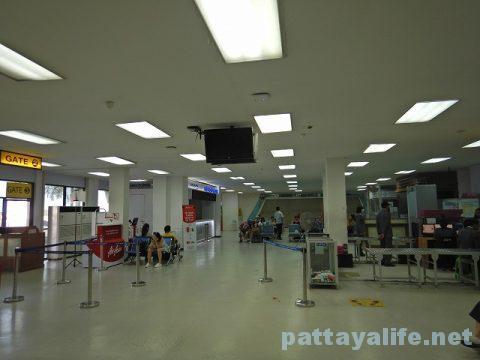 ウタパオ空港からチェンマイ空港行きエアアジア (4)