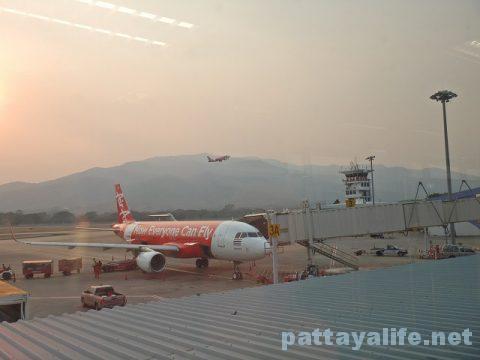ウタパオ空港からチェンマイ空港行きエアアジア (13)