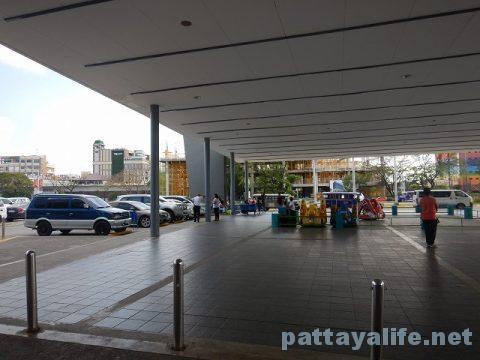P2PバスでアンヘレスSMクラークからマニラ空港へ (18)