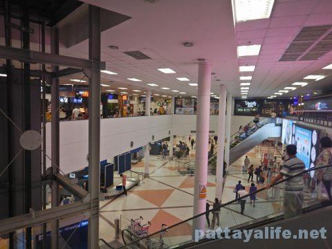 チェンマイ空港からプーケット空港エアアジア搭乗 (6)