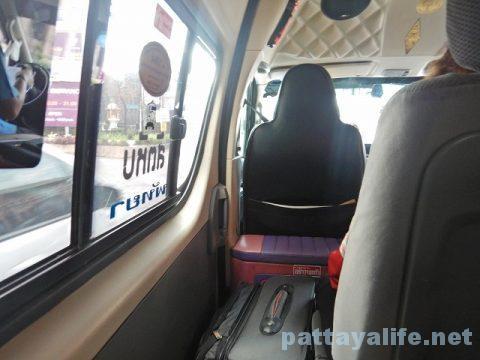 パタヤからドンムアン空港へのロットゥー (5)