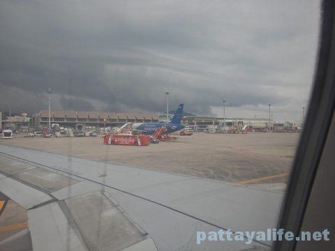 チェンマイ空港からプーケット空港エアアジア搭乗 (20)