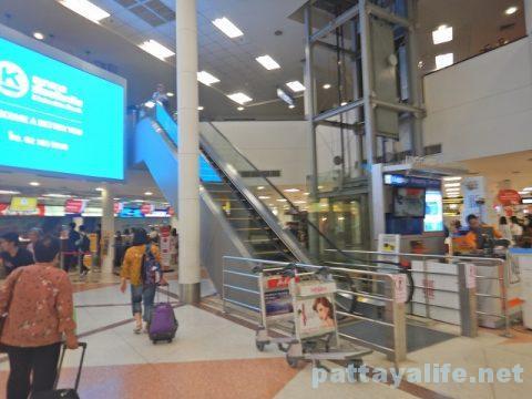 チェンマイ空港からプーケット空港エアアジア搭乗 (2)