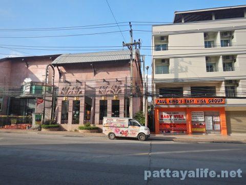 パタヤからドンムアン空港へのロットゥー (3)