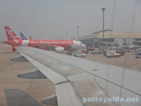 チェンマイ空港からプーケット空港エアアジア搭乗 (18)