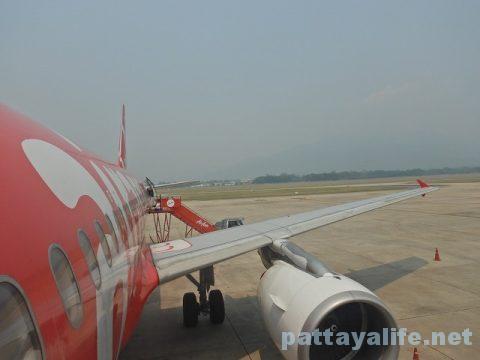 チェンマイ空港からプーケット空港エアアジア搭乗 (15)