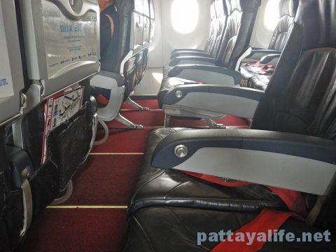 チェンマイ空港からプーケット空港エアアジア搭乗 (17)