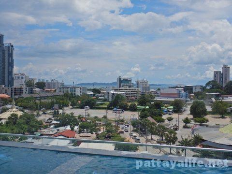 Tホテルパタヤ (37)屋上プールとサウナ