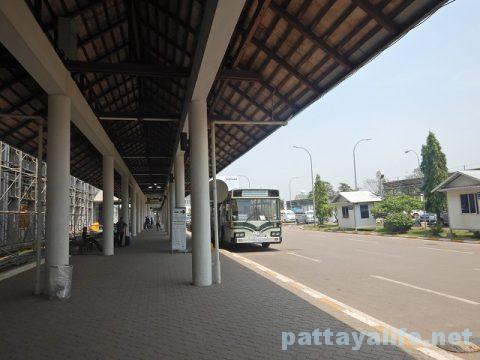 ビエンチャンワッタイ国際空港エアポートバスサービス (1)