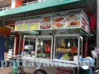 パタヤタイのカオマンガイとカオナーペット屋台 (1)