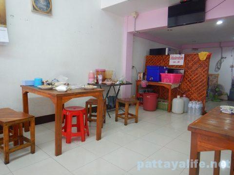 パタヤタイのカオマンガイとクイティアオガイ食堂 (4)