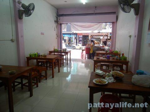 パタヤタイのカオマンガイとクイティアオガイ食堂 (3)