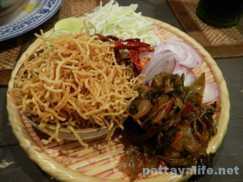 TREE TOWNのチェンマイ料理レストランKASALOING (2)