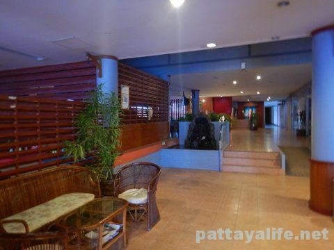 クイーンパタヤホテル Queen Pattaya Hotel (4)