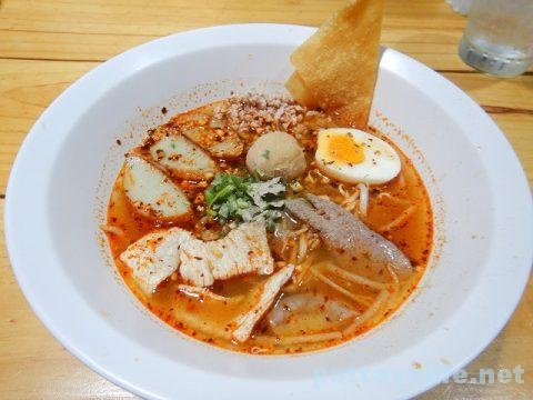 モーファイ屋Nai Poom Tom-Yum Pork Noodle (2)