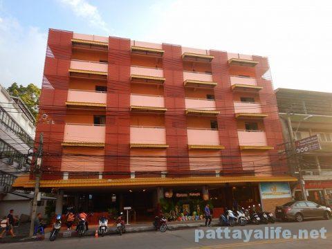 クイーンパタヤホテル Queen Pattaya Hotel (1)