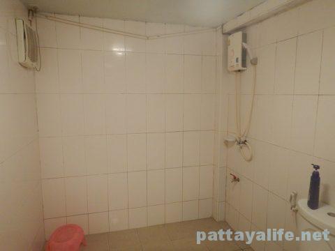 ソイチャイヤプーンマッサージ屋浴室