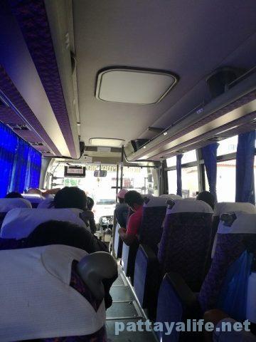 ビエンチャンタラートサオバスターミナルからウドンタニーバスターミナルまで国境バス (13)