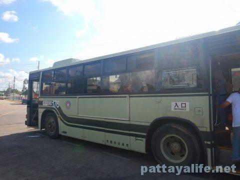 ビエンチャンタラートサオバスターミナルからウドンタニーバスターミナルまで国境バス (7)