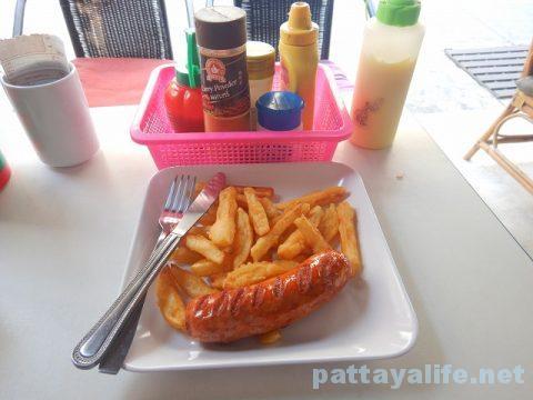 ソイブッカオの隠れ洋食屋 (8)ソーセージ&チップス