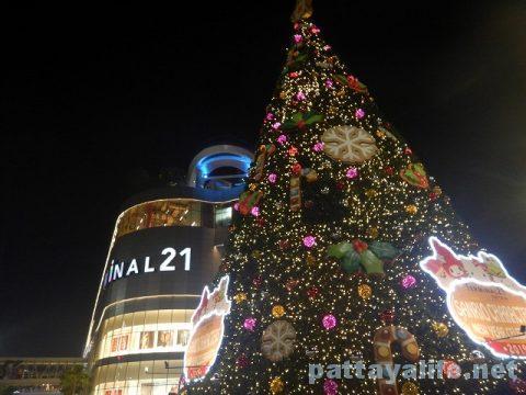 パタヤのクリスマスツリー (9)