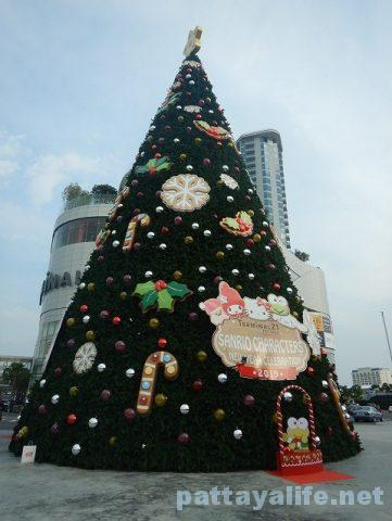 パタヤのクリスマスツリー (7)