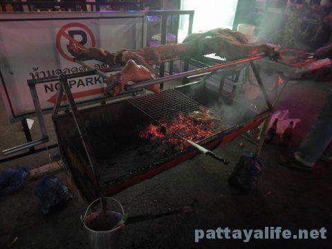 クリスマスイブのLKメトロ (6)豚の丸焼き
