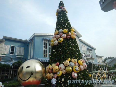 パタヤのクリスマスツリー (6)