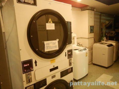 ソイブッカオの乾燥機付きコインランドリー (1)