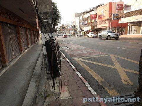 ドンムアン空港からスワンナプーム経由でパタヤへバス (13)