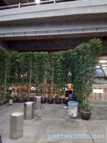 スワンナプーム空港喫煙所 (2)