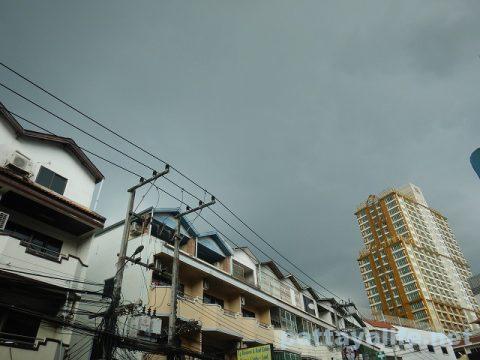 パタヤ曇り空