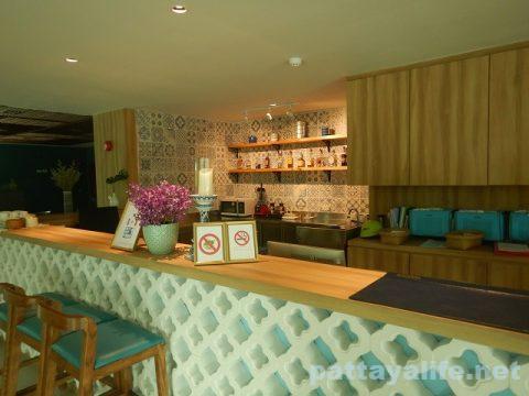 ディープロムパタヤホテル (DeeProm Pattaya Hotel) (2)
