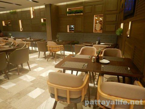 ホテルアンバーパタヤレストラン (1)