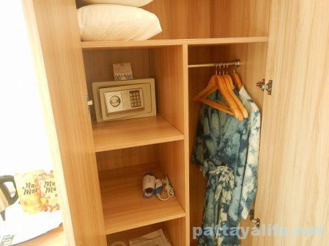 ディープロムパタヤホテル (DeeProm Pattaya Hotel) (15)
